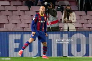 «Бавария» обратилась к «Барселоне» по поводу трёх правых защитников